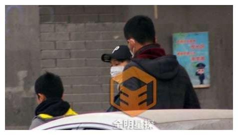 爸爸去哪了? 陈坤与儿子同友人逛街,仅限潮范味道十足