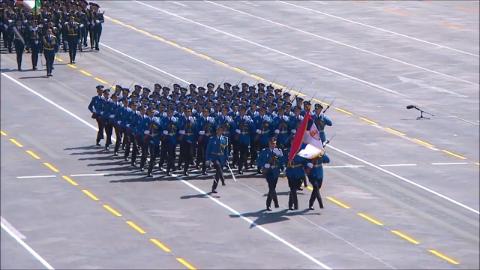 塞尔维亚武装力量展示风采