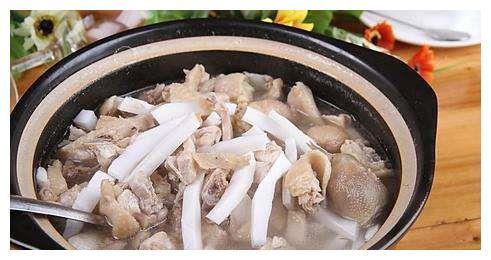过完节太油腻,做一道椰香清甜的海南椰子鸡
