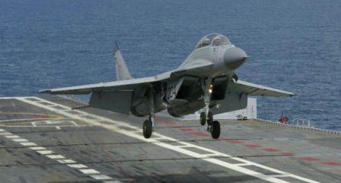 唯一航母趴窝,俄军舰载机成陆基战机,军迷:可租印度航母
