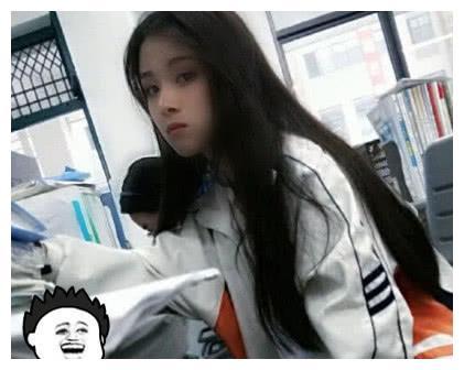 """洪一诺学生时代照片被扒出,黑长直撞脸""""王祖贤"""",简直美到犯规"""