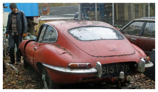 破旧的汽车翻新后,收藏者估价几十万英镑,小哥听到价格很惊喜!