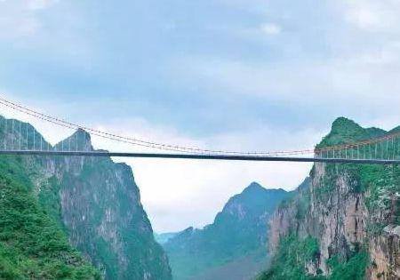 中国非常高的一座桥 你知道是哪里吗 你去过吗