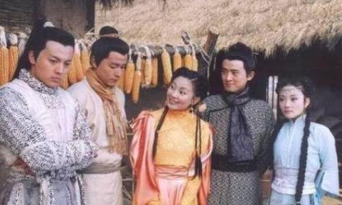 认出任泉李铭顺,却没认出黄日华恬妞,14年前的这部剧阵容够屌