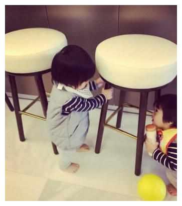 老婆陈若仪晒双胞胎儿子同框萌力值爆表,林志颖不愧是人生赢家