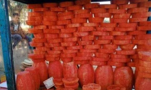 """从各国吃西瓜的方式,就可以看出""""真性情"""",尤其是迪拜,真准!"""