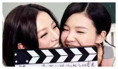 杨子姗与赵薇合约圆满结束 感激赵薇7年的照顾