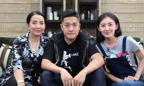 张丰毅与漂亮儿媳生活近照,对儿子不满嫌他丑,与儿媳同台不搭理