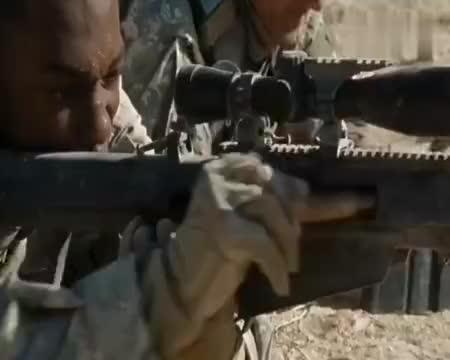 根据真实事件改编,狙击手与伊拉克反叛武装沙漠展开终极较量!