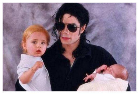 迈克尔杰克逊三子女现状,小儿子继承天王气质,女儿成世界超模!
