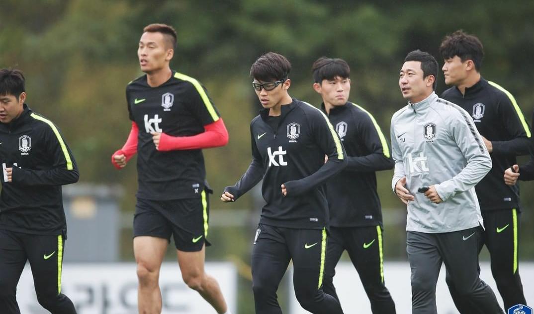 金信煜、金玟哉与朴志洙三位中超球员跟随韩国队备战世预赛