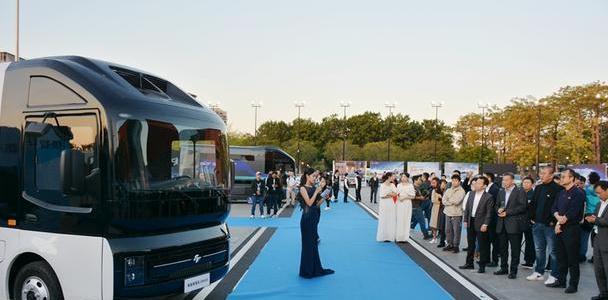 一改传统货车外观,没续航焦虑,电咖ER600新能源物流车正式发布
