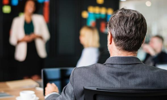 职位秀场:职场新人求职时,面试技巧重要吗?