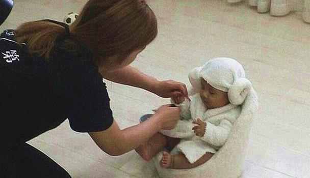 宝宝拍百日照,回家后引发上呼吸道感染,宝宝拍照注意以下三点