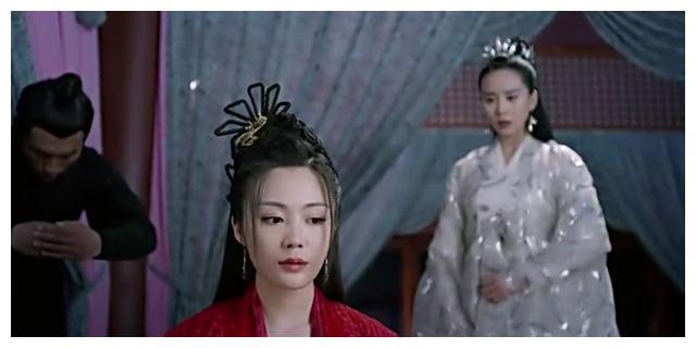 《醉玲珑》汤晶媚发现刘诗诗来舞香坊查案,于是给刘诗诗喂毒陷害
