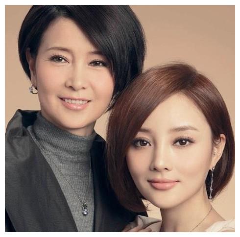 高颜值母女,妈妈比女儿漂亮是种怎样的体验?