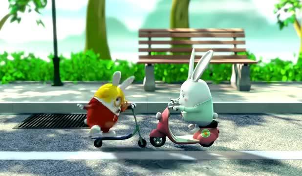三只兔子:如今的小兔子不单纯啊,还会骑踏板电动车