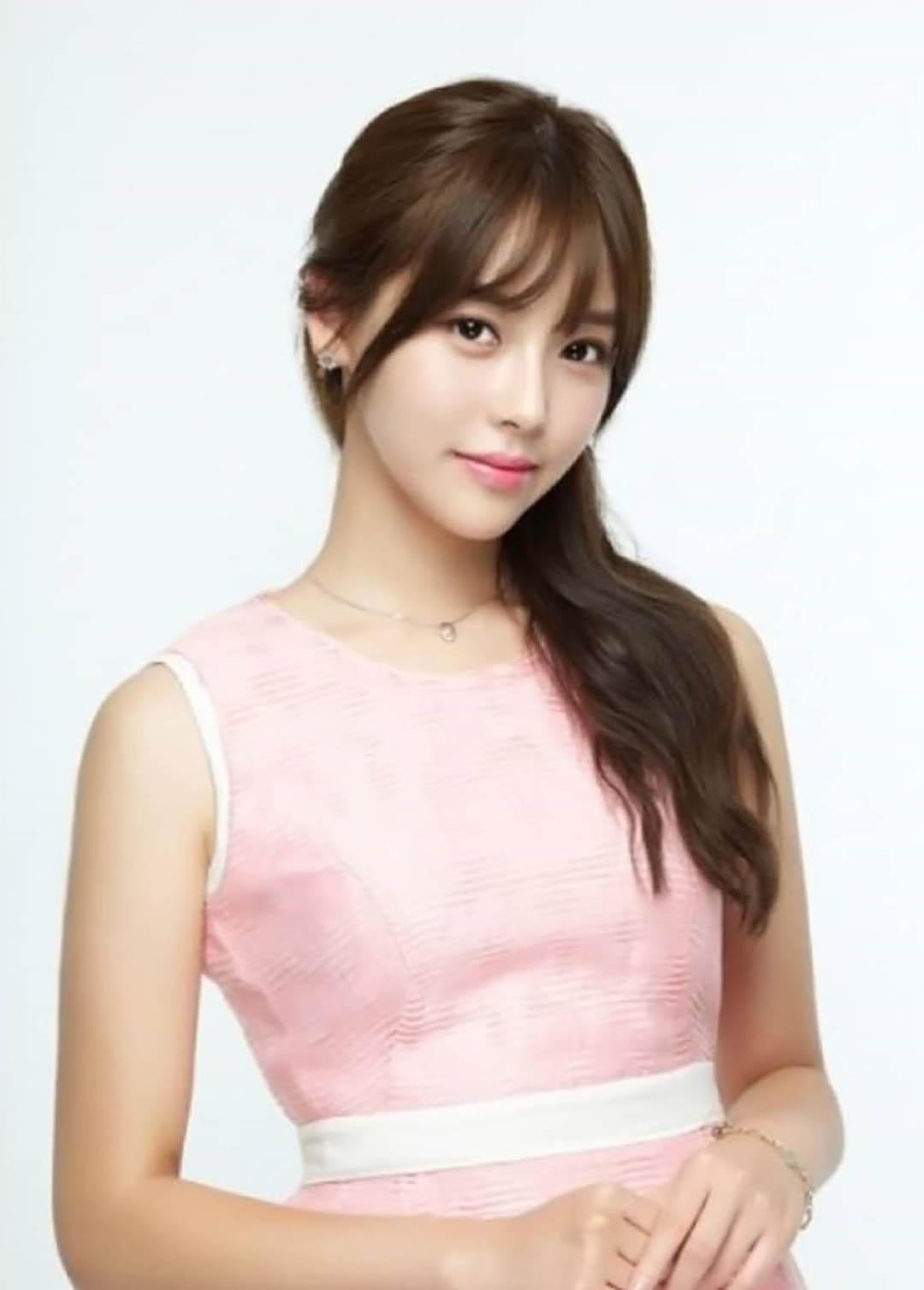 韩国美女模特,甜美清秀,乖巧可人,女神精选合辑一37张