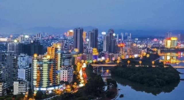 45亿建赣州第一高楼,300米刷新天际线,将成为江西未来