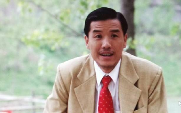 他曾是赵本山最器重的徒弟,无故被开除后转投潘长江,如今更滋润