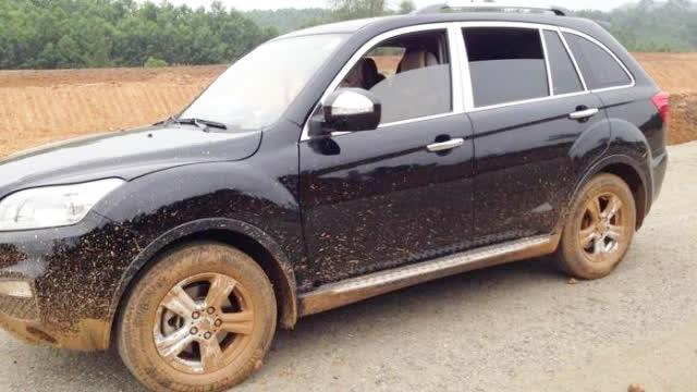 车轮子上有泥影响市容,罚款三千!律师:车主可以复议