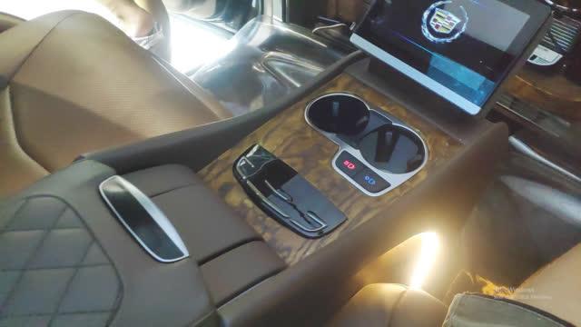 男人梦想的顶级SUV!内饰如私人飞机般豪华,4+2布局尽显贵气