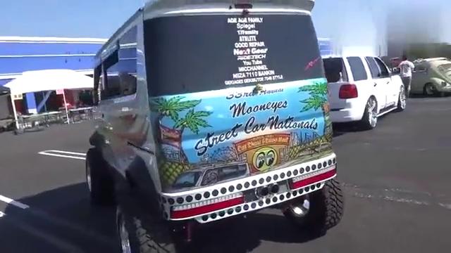 视频:厉害了,把铃木浪迪改成越野面包车,相当拉风!
