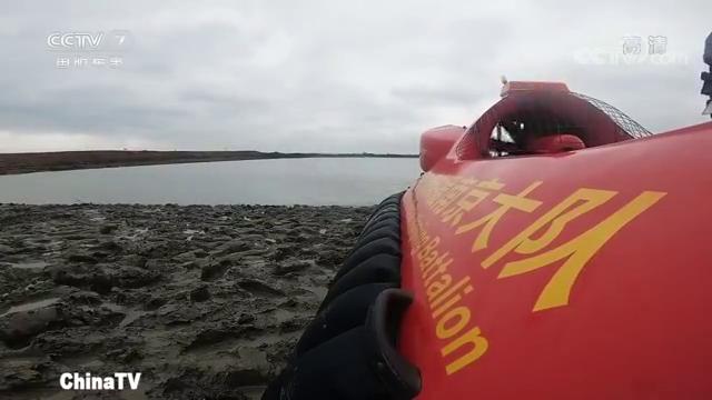 气垫登陆艇为什么速度比普通船只快,体验驾驶气垫艇
