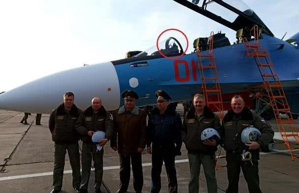 白俄罗斯空军的苏-30SM,装的是法国造平视显示器