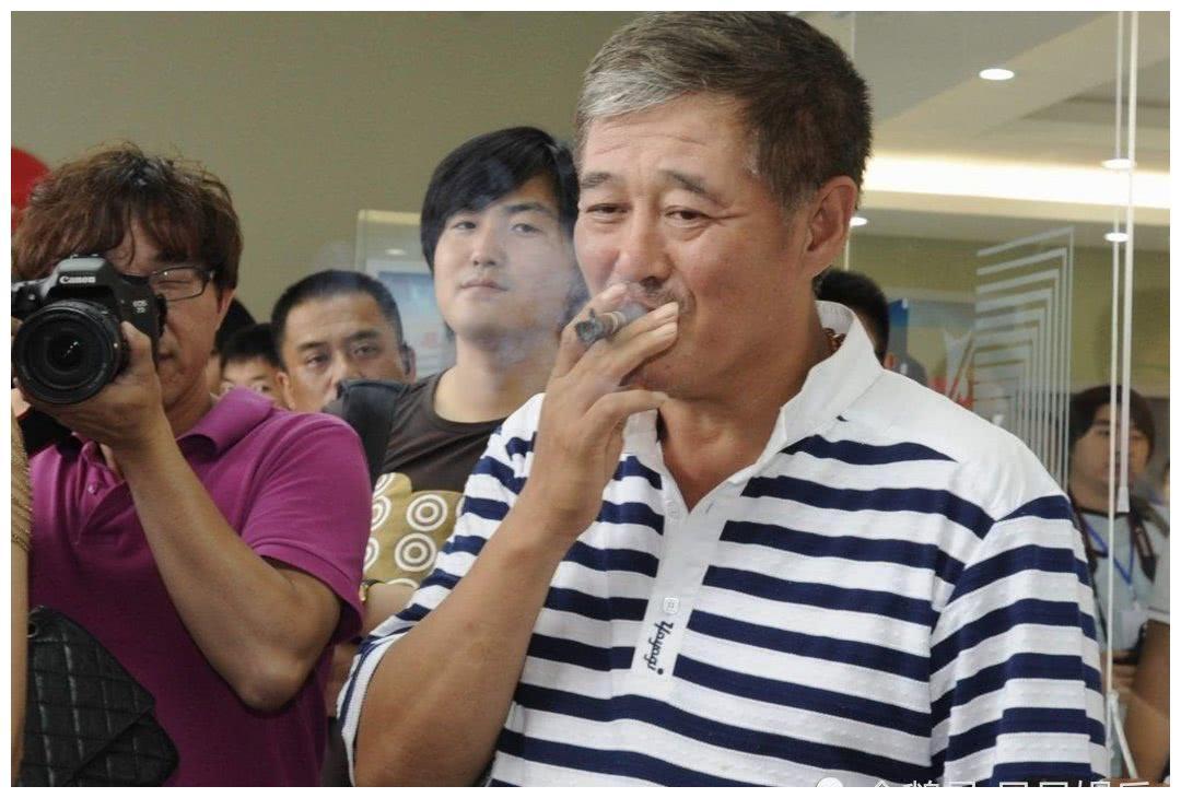 赵本山三大保镖近照,钢子单飞做老板,最穷的他将继承本山传媒!