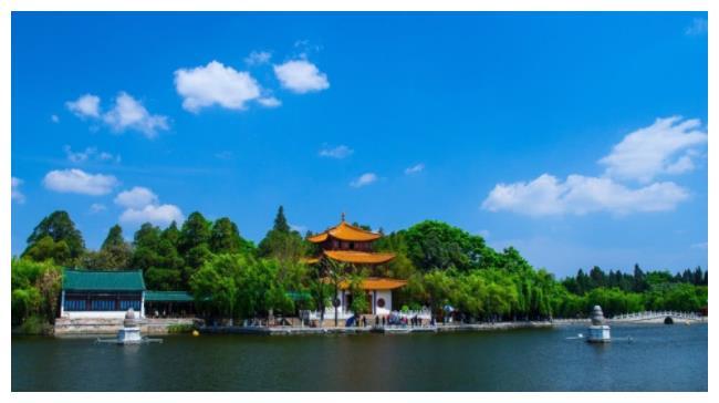 云南若想发展省会昆明,拆并这座城市是最好的选择,是你家乡吗