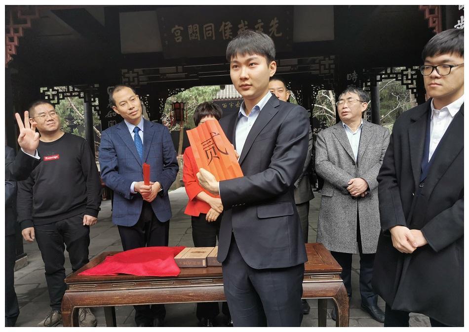 朴廷桓终于公开评价柯洁:他世界第一人,棋迷:你经常战胜第一人
