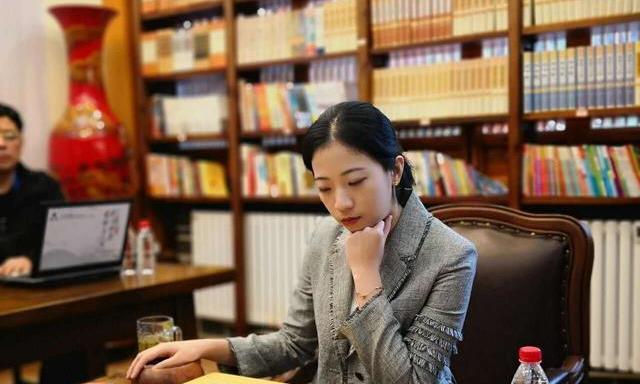 一鸣惊人!广州队员陈一鸣勇夺首届中国女子围棋名人战冠军