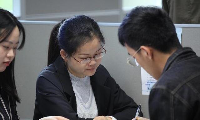 根据2018届毕业生就业情况,这些专业值得女生报考,就业有前途