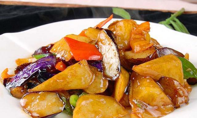 让三味非常普通的食材做成鲜爽无比的美味佳肴,地三鲜