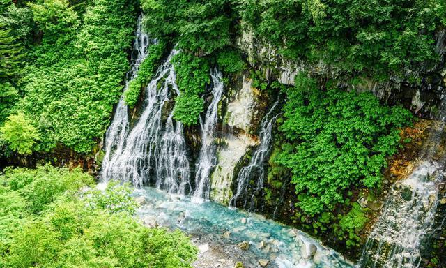 日本美瑛的绝世美景,Tiffany蓝的白须瀑布