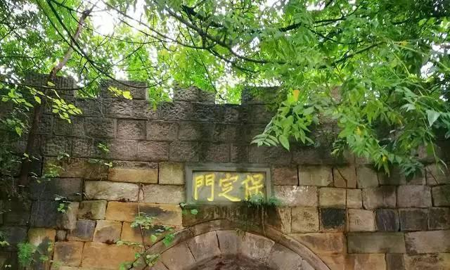 重庆江北嘴这个不起眼的公园, 将来也许会火