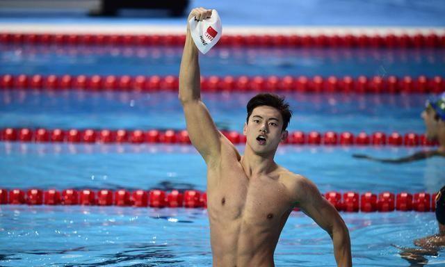 中国4位备受争议的冠军,一个爱撕衣服,一个耍大牌被开除国家队