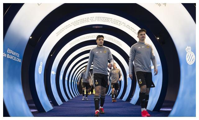 欧联之英超球队:阿森纳赛程轻松,曼联有所分心,狼队板凳不厚
