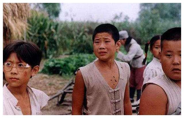 《小兵张嘎》演员现状:嘎子当爹,英子变女神,而他成一线明星