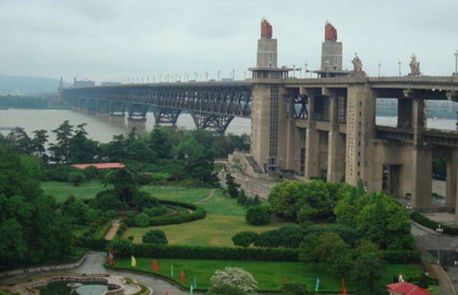 旅游:南京长江大桥公园——风景秀丽,景色优美,值得一去