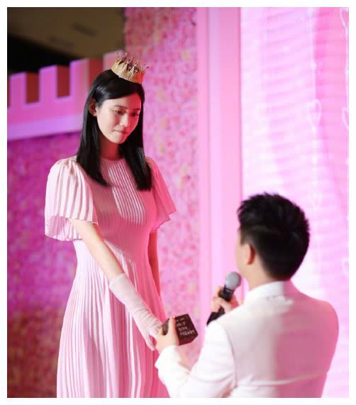 何猷君奚梦瑶终于结婚,发文秀恩爱,网友:两个人实在是太搭!