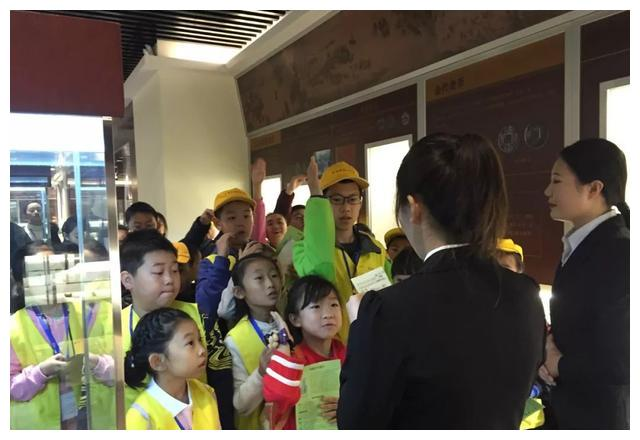 长春市科协小记者科普行活动走进长春财经学院钱币博物馆