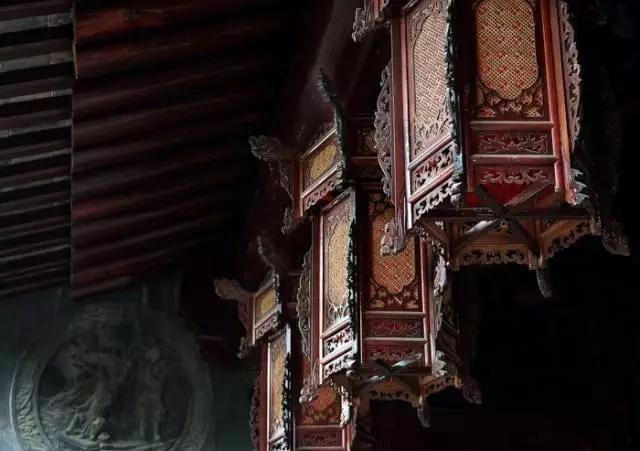 汉代:皇室的宫灯技艺,流落民间后,人们给它编了一个神奇的传说