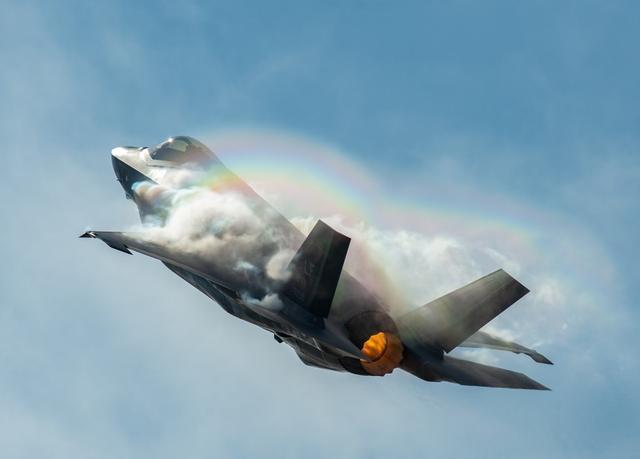 干海倹�#�.b9`f_日本f35a战机坠海,美国忧心忡忡:如果被中俄得到就麻烦了