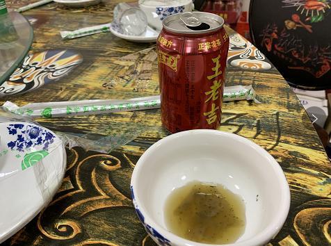 王老吉里喝出纸巾原因是什么 加多宝和王老吉和其正哪个好