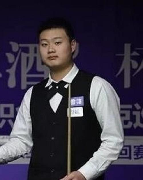 不满十六岁的中国斯诺克小将赵剑波喜获外卡,征战本届国际锦标赛