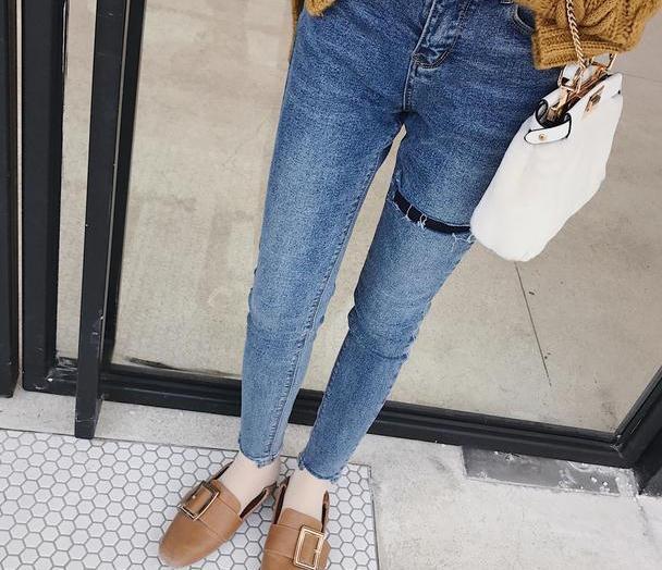 高腰显瘦牛仔裤,让你气质出众,美成一到风景