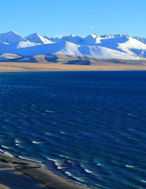 念青唐古拉山脉属于断块山,位于中国西藏自治区 横贯西藏中东部
