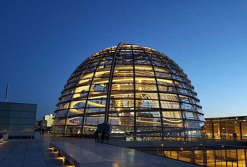 科隆,德国的第四大城市,德国西部莱茵河畔名城和重工业城市